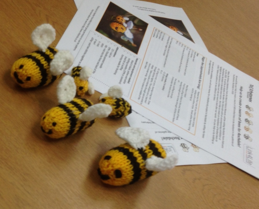 Knitted Bees