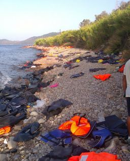 Abandoned lifejackets in Lesvos, Greece © Nikolas Georgiou